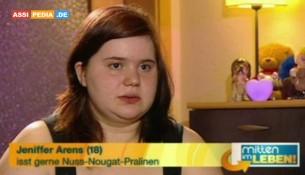 Jeniffer Arens - Isst gerne Nuss-Nugat-Pralinen