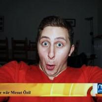 Juri - Er denkt er wär Mesut Özil